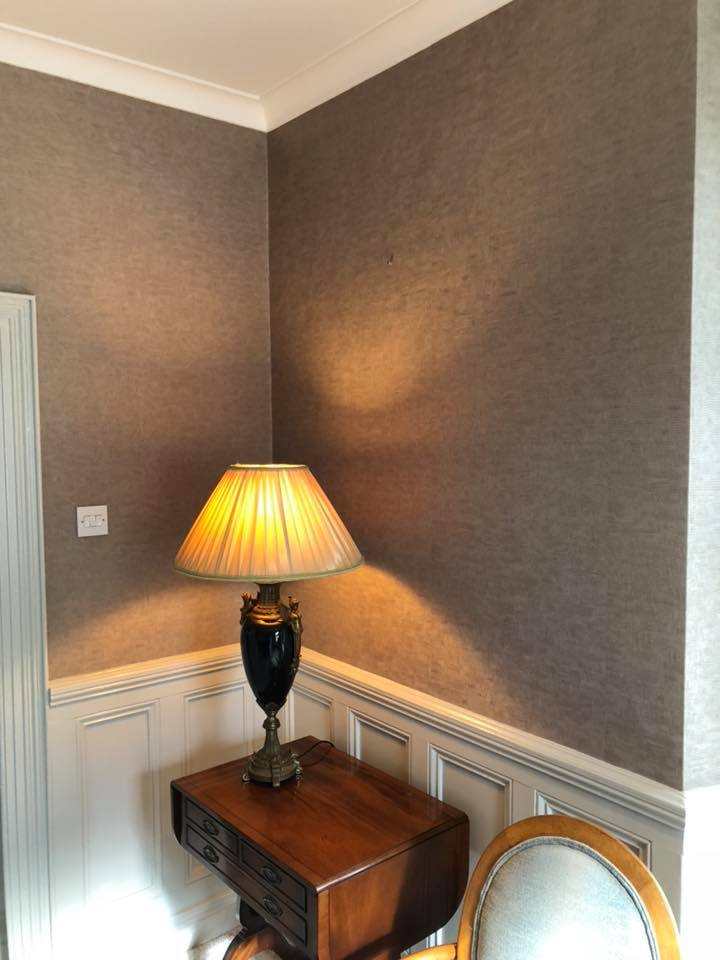 wallpaper and lamp
